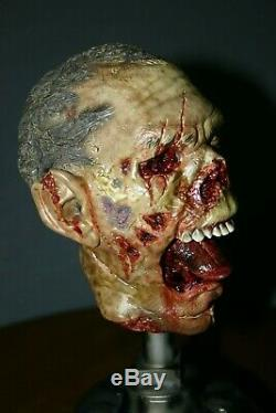 The Dead Specimens 687m Overbite Sideshow 103/200 Bust Head Statue Damaged 2010